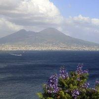 Вид на Везувий из Неаполя. :: Лидия кутузова