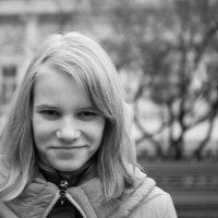 Прогулка на кропоткинской станции :: Виктория Соболевская