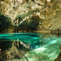 """Озеро """"Голубые воды"""" в пещере """"Три глаза"""" :: Кирилл Антропов"""