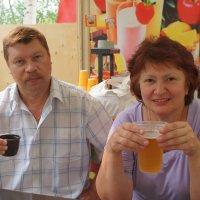 в кафе :: Аркадий Артемьев