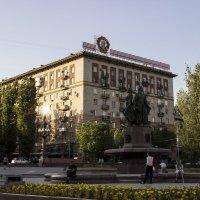 У фонтана :: Сергей Андриянов