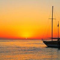 думы о лете(средиземное море утро) :: юрий макаров