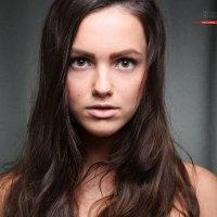 портрет девушки :: Павел Сазонов