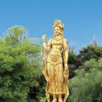 Таиланд. Национальный исторический парк. Статуя богини :: Владимир Шибинский