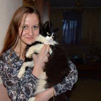 Девушка с котом. :: Михаил Столяров