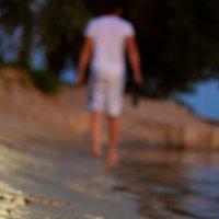 Следы на песке... :: Ксения Пугачева