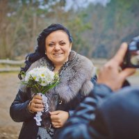Каждая должна сфотографироваться со свадебным букетом)) :: Svetlana Shumilova
