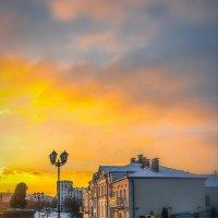 На обломках зимнего дня... :: Александр Рамус