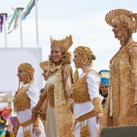Праздник  Тун - Пайрам   костюмы  из  дерева :: Виктор