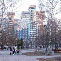 Вечер в парке на улице Лизюкова. :: Надежда Ивашкина