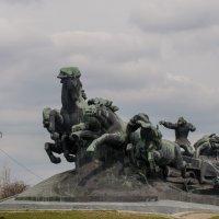 Памятник 1-конной Армии при вьезде в Ростов на Дону со стороны г. Краснодара :: серж