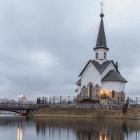 Церковь у озера :: Алексей Кудрявцев
