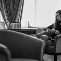 She is waiting :: Владислав Медведев