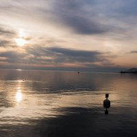Озеро и солнце :: Witalij Loewin