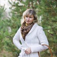 Здорово походить по осеннему лесу. :: Elena Vershinina