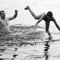 игры на воде :: виктор омельчук
