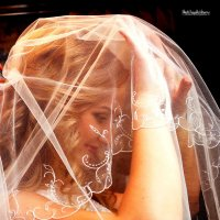 Невеста под вуалью. :: Иван Бобков