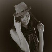 Девушка в шляпе :: Марина Кириллова