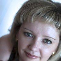 Женщина с розой :: Марина Кириллова