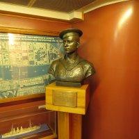 скульптура на Авроре :: jenia77 Миронюк Женя