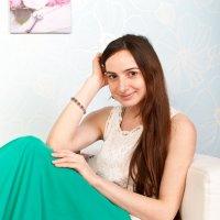 Девушка в белом и зеленом :: Алексей Ерыкалин
