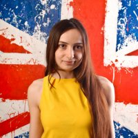Девушка в желтом :: Алексей Ерыкалин