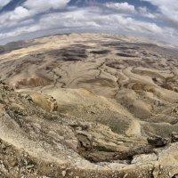 Большой кратер в пустыне Негев, Израиль. :: Леонид Спектор