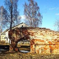 монастырская стена :: Сергей Кочнев