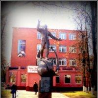 Памятник Гагарину :: Ольга Кривых