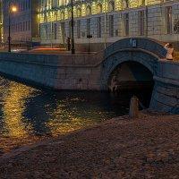 На вечерней набережной :: Valerii Ivanov