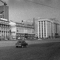 строится гостиница ИНТУРИСТ :: aleksandr Крылов
