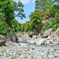 река Белая :: Александр .