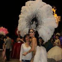 я и транс из шоу Тиффани, январь 2014, Таиланд :: Лютик Лютик