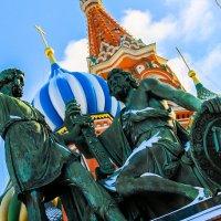 Памятник :: Даниил Артемьев