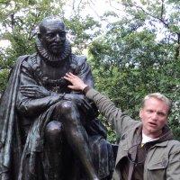 Памятник основателю Сорбоны :: Сергей Шруба