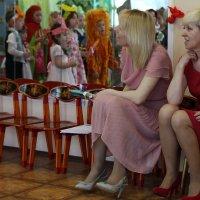 Воспитатели и дети :: Ольга Крулик
