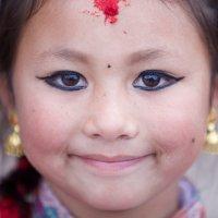 Девочка из Непала :: Дмитрий Борисов