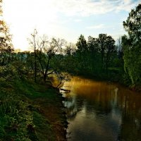 Рассвет на реке :: Владимир Воробьев