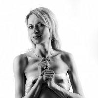 Дама в белом... :: Андрей Войцехов