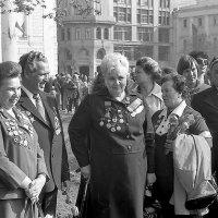 Сбор ветеранов в День Победы 1982 г. :: Николай Кондаков