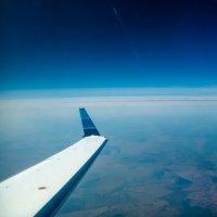 под крылом самолёта... :: Дмитрий Есенков
