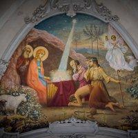 Главный вход в церквушку :: Павел Голубев