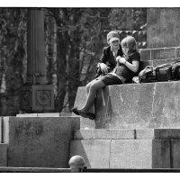 мальчик с девочкой дружил... :: Сергей Демянюк