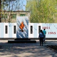 Памятник погибшим работникам сахарного завода в ВОВ. :: Олег Афанасьевич Сергеев