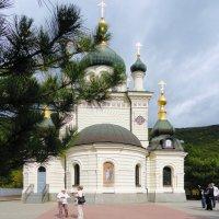 Форосская церковь на красной скале :: Ольга Рывина