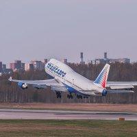 Boeing-747 Transaero EI-XLC Взлет :: Александр Святкин