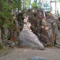 Статуя Вяйнемейнена в парке Монрепо :: Наталья Левина