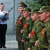 Солистка почётного караула... :: Владимир Хиль
