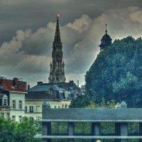 вид на Брюссельскую ратушу :: Александр Корчемный