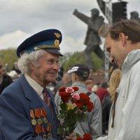 Когда мужчины мужчинам дарят цветы :: MVMarina